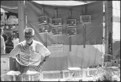 Songbird seller, Valencia 2002